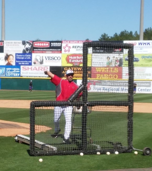 Mintz throwing BP