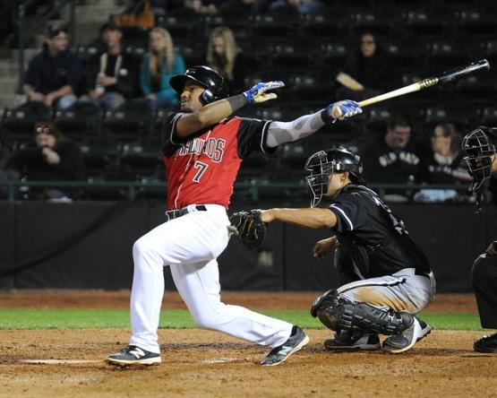 Andy Ibanez batting