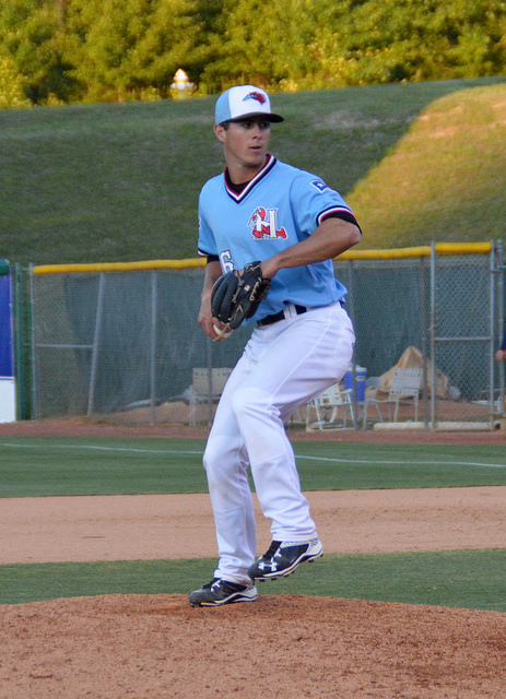 Dylan Moore pitching